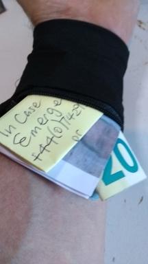 Emergency wrist band